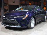"""El Toyota Corolla 2020 busca terminar con el tabu que ha cargado el modelo de """"mom car"""""""