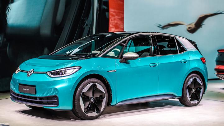 El coche eléctrico ID.3 de Volkswagen es lindo y cuidado que te coquetee