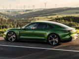 Porsche Taycan verde eléctrico