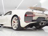 Bugatti Chiron Edición Hermès blanco en showcase